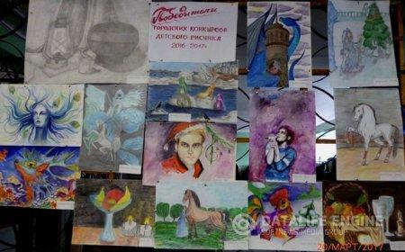 Выставка работ учащихся школы №15, победителей городских конкурсов детского рисунка